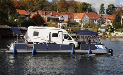 Camping auf dem Wasser mit dem eigenen Wohnmobil