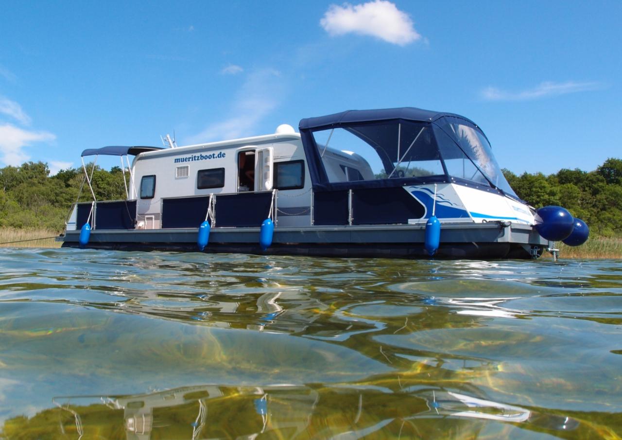 Watercamper mit fest eingebautem de Luxe Wohnwagen