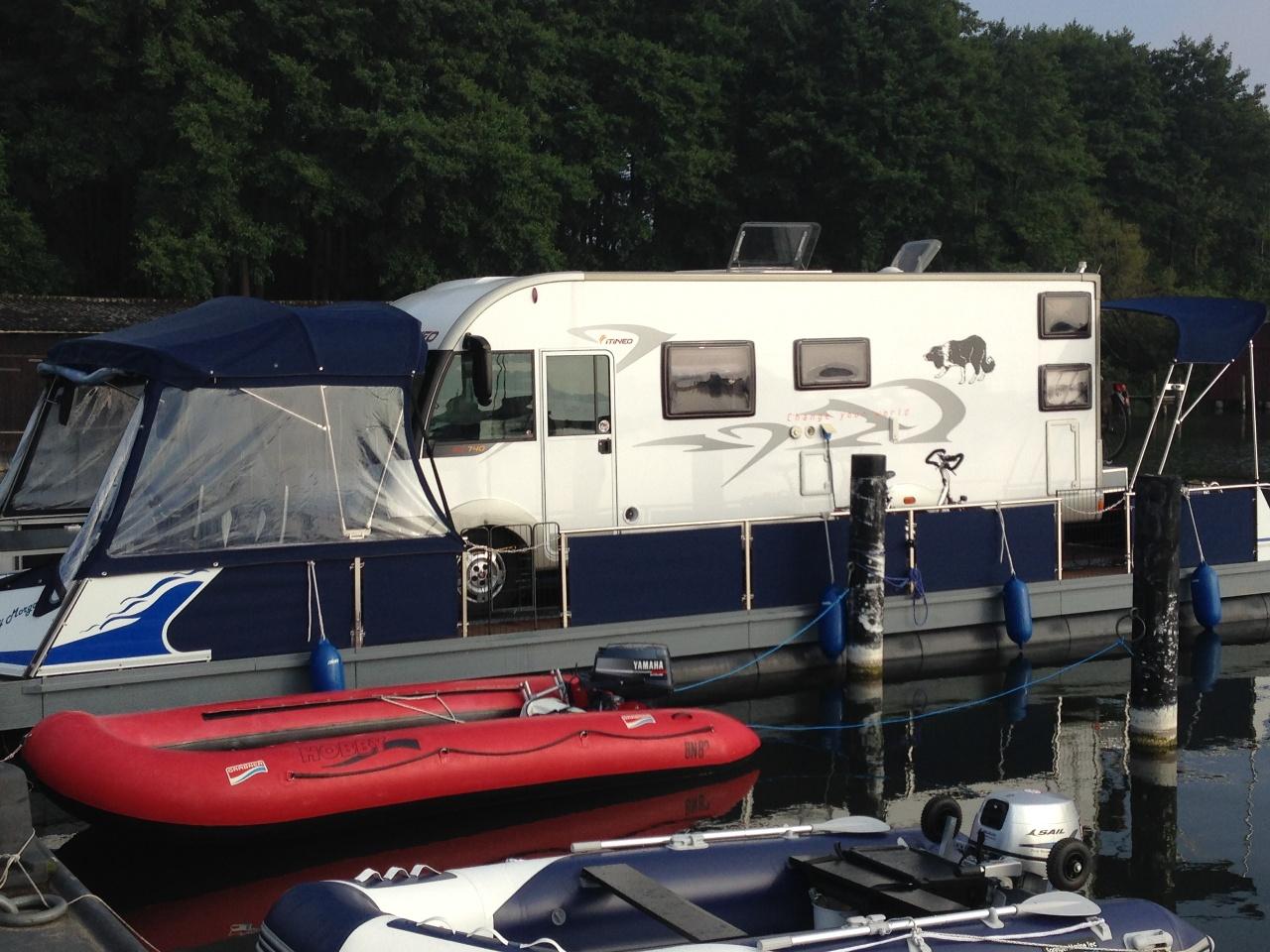 Wassercamper | Camping auf dem Wasser mit dem eigenen Wohnmobil