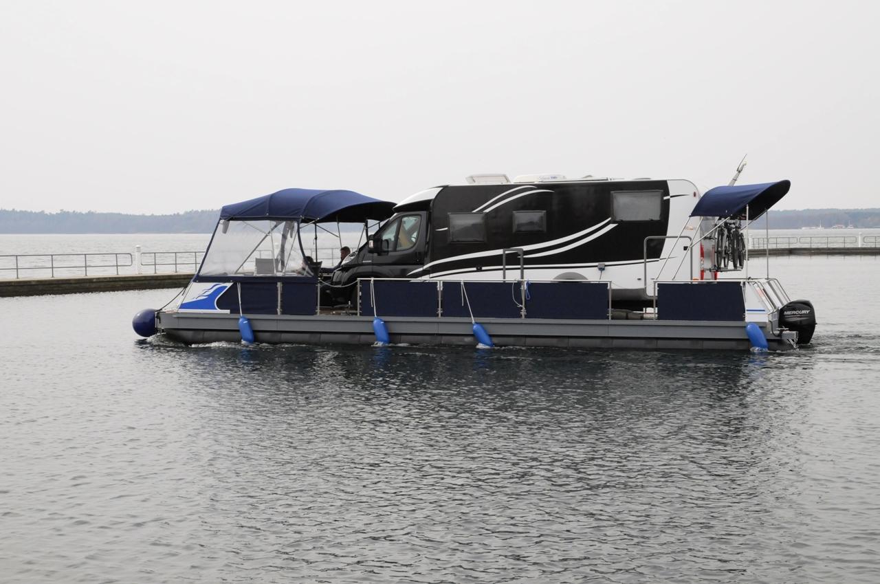 Machen Sie Ihr Wohnmobil zum Hausboot mit dem Wasser-Camper | Camping auf dem Wasser mit dem eigenen Wohnmobil