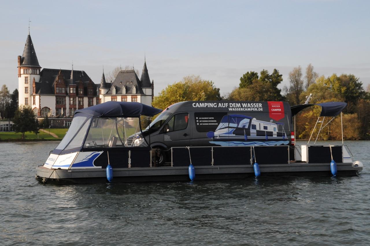 Hausboot mieten | Camping auf dem Wasser mit dem eigenen Wohnmobil